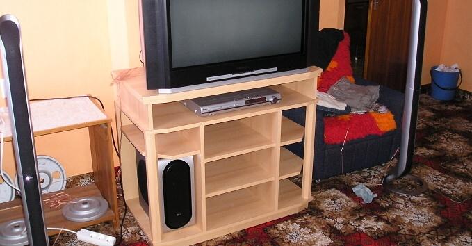 tv-02